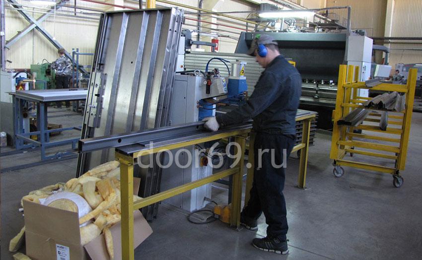 изготовление металлических дверей от производителя Door69